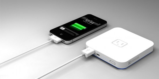 stackable battery pack 1 550x273 World's first stackable battery powers your iDevices when you're away from the mains