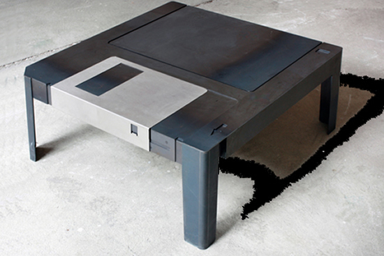 floppy table 4 Floppy Coffee Table is a definite Hit