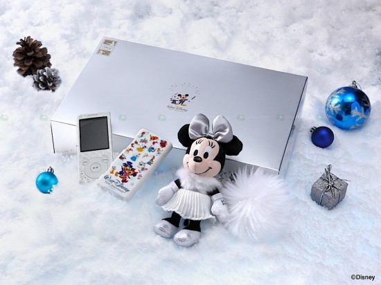 sony disney walkman 1 550x412 Sony and Disney released a limited edition Walkman for Christmas