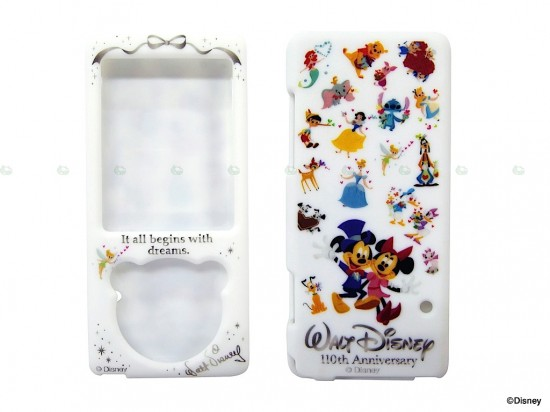 sony disney walkman 2 550x412 Sony and Disney released a limited edition Walkman for Christmas
