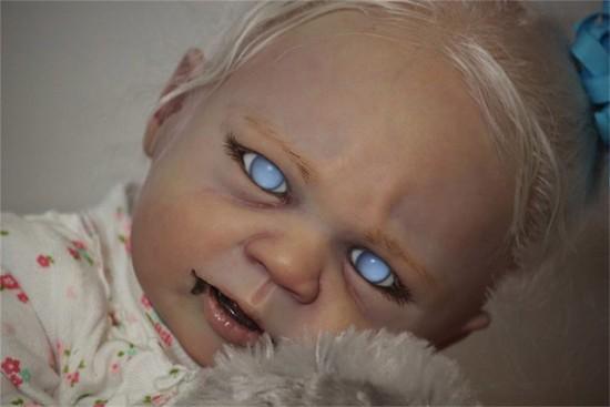 Lifelike Vampire Baby Dolls are Terrifying! - Gizmodiva