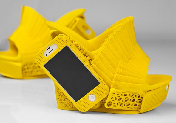 3d printed iphone shoes 1 590x415 3D Printed Designer Shoe with a built in iPhone Case