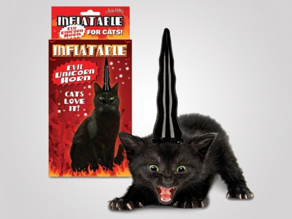 inflatable evil unicorn horn 1 590x442 The Evil Cats sport the Cool Inflatable Unicorn Horn